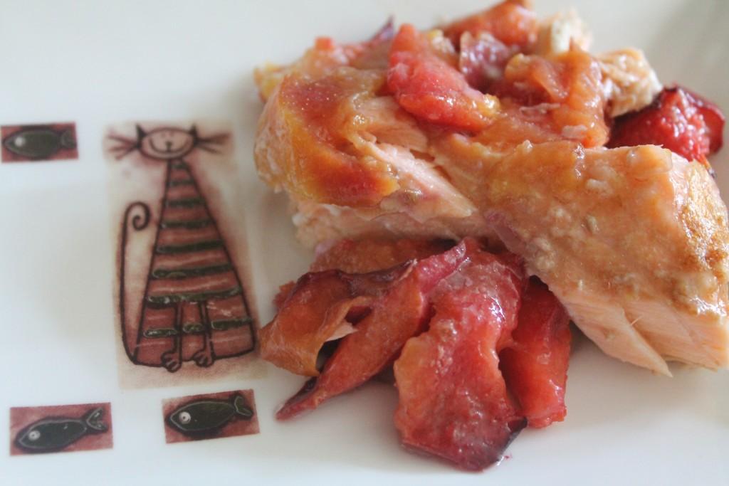 łosoś z brzoskwinią, ryba na słodko