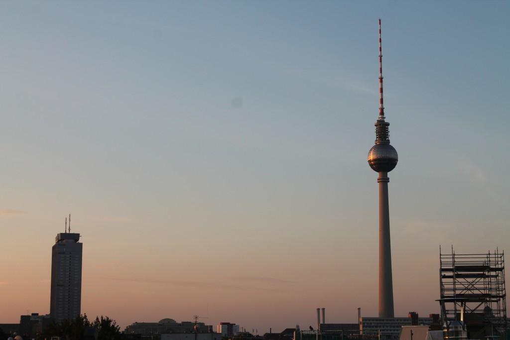 widok z dachu the circus hotel na Berlin - nasza droga do