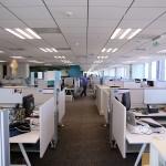 Jakie urządzenia musi obsługiwać pracownik biurowy?