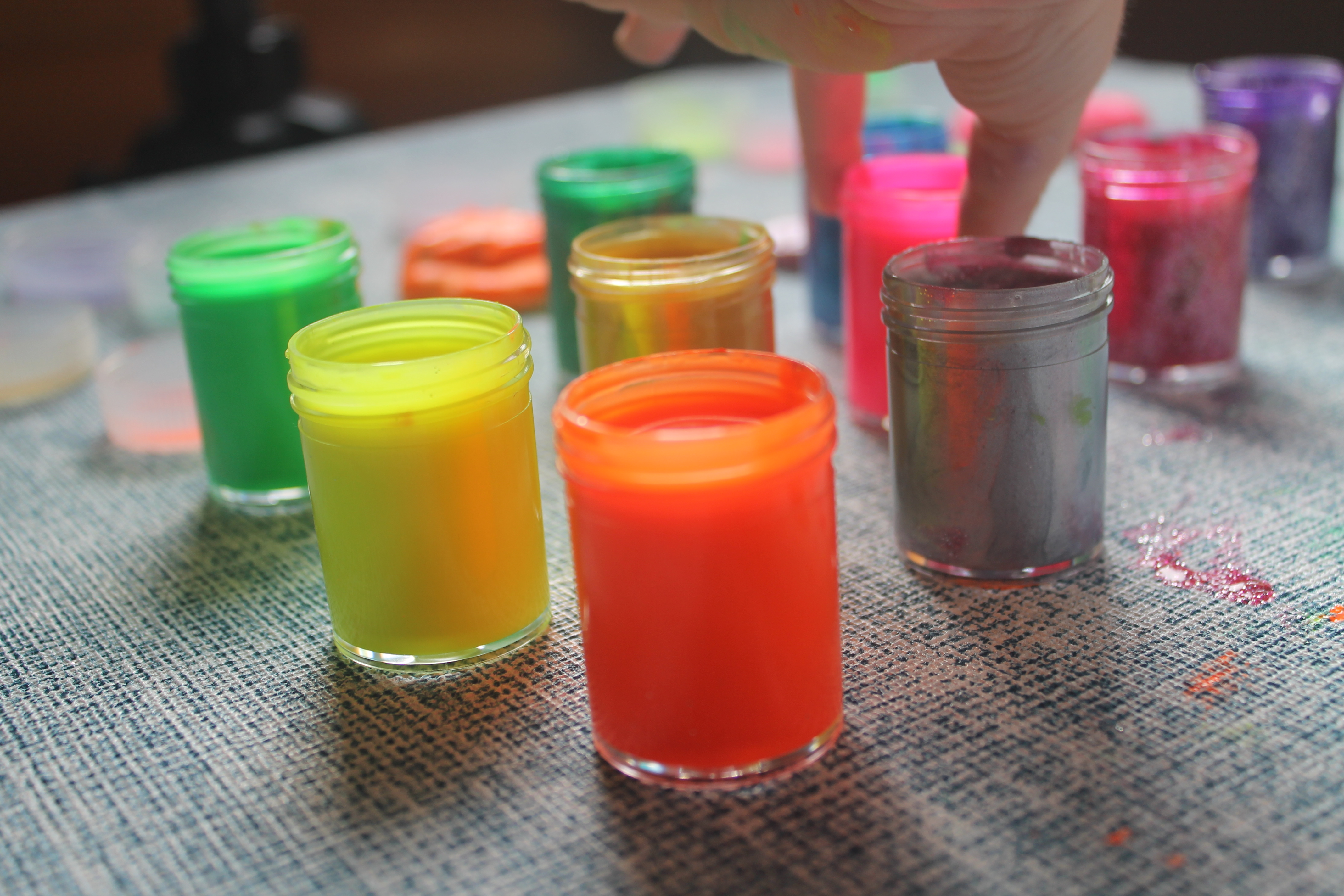 farby fluorescencyjne i z brokatem Moja Bambino - nasza droga do - masa solna