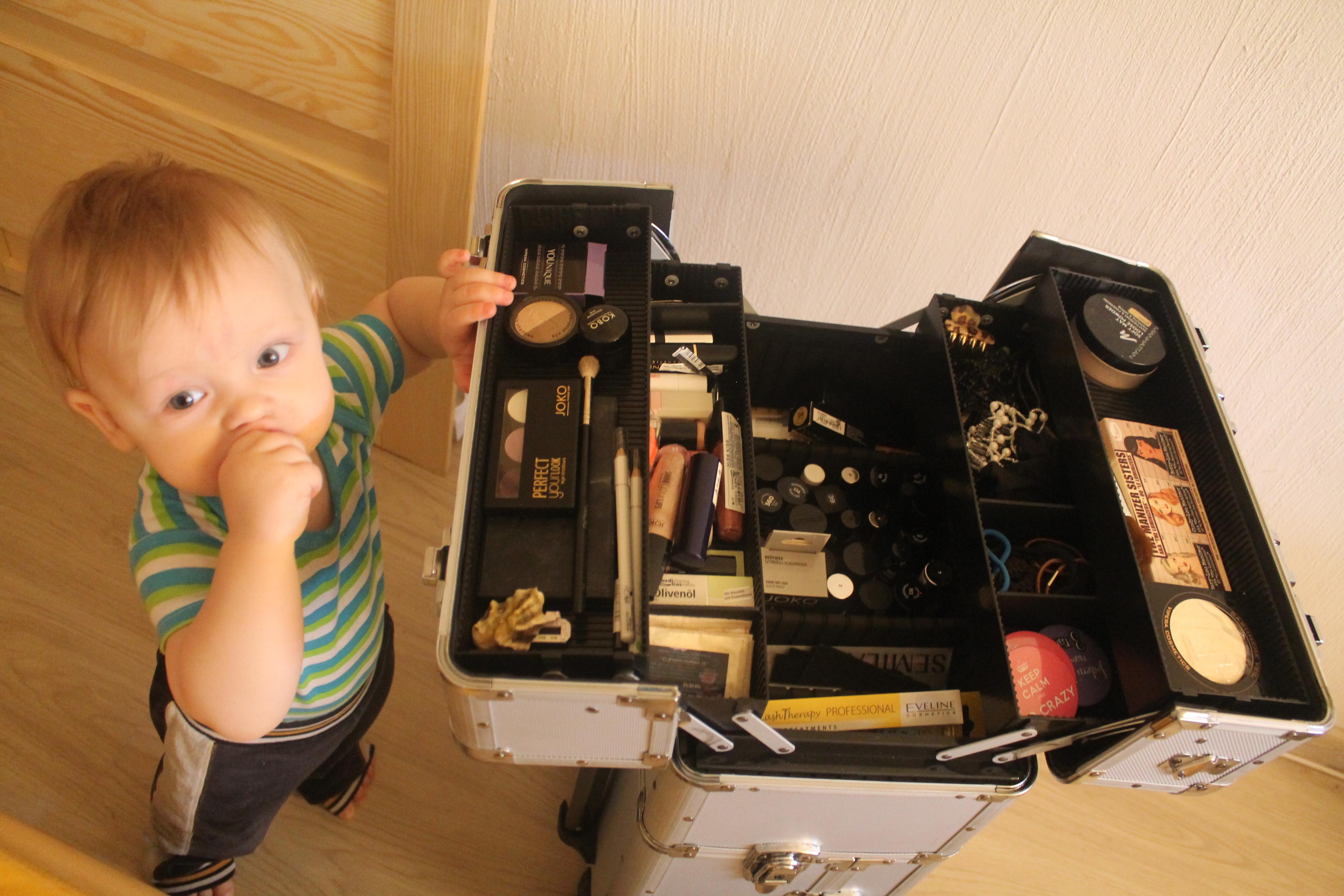 skrzynka narzędziowa Castorama - nasza droga do - kufer na kosmetyki