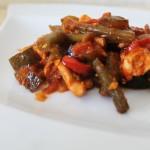 Kurczak z fasolką szparagową i warzywami