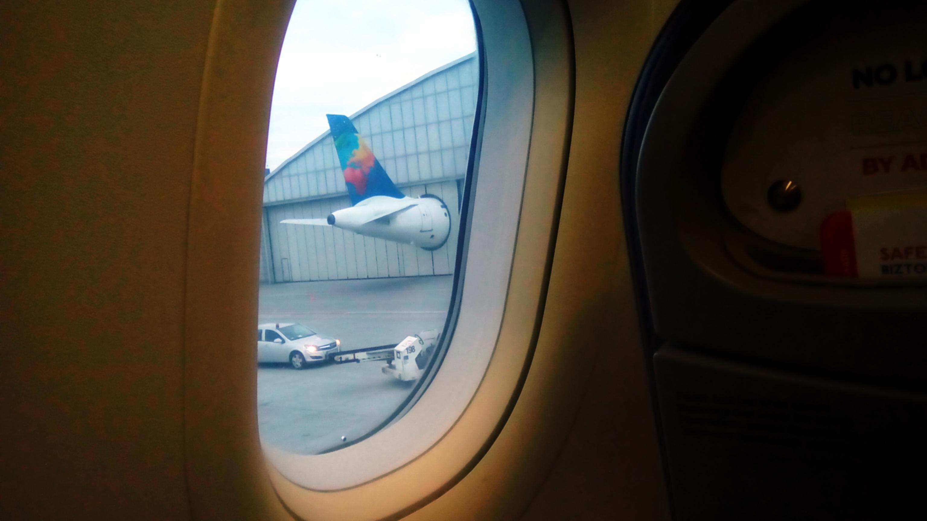 dziecko samolotem