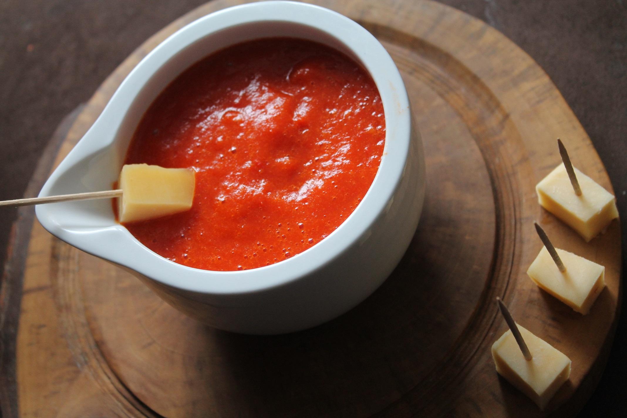 domowy sos z papryki czerwonej