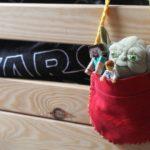 Trzymadełko na łóżko na drobne zabawki – DIY / Zrób to sam