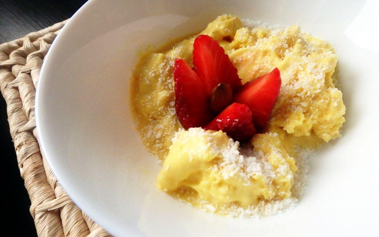 Przepis na żółte lody owocowe z kurkumą