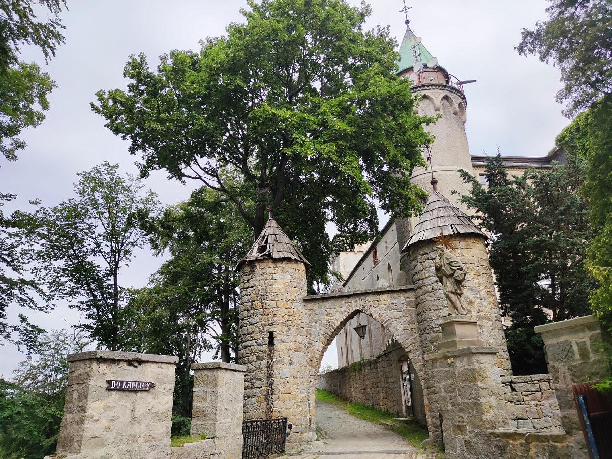 Skałka Zamek Leśna w Szczytnej